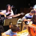 clases bajo eléctrico en academia de música de Zaragoza